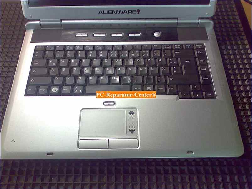 pc reparatur center bilder ber alienware laptop reparatur service. Black Bedroom Furniture Sets. Home Design Ideas