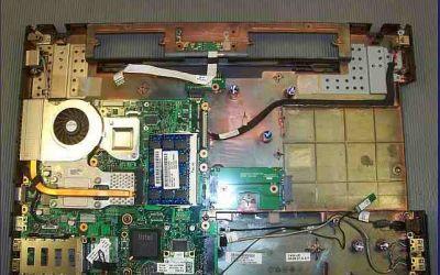 hp-probook-4710-kuehler-reinigung-oberschale-abgenommen.jpg