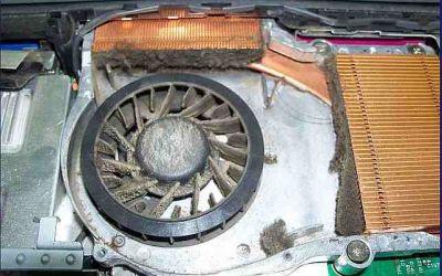 Notebook-Acer-Aspire-1520-Kuehler-extrem-stark-verschmutzt.jpg