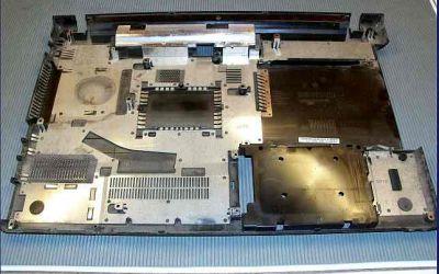 Sony-VAIO-VPCEB3-Verschmutzung-im-Gehauese.JPG