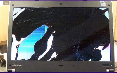 laptop-display-reparatur-lenovo-thinkpad-edge-kaputter-screen-v1.jpg
