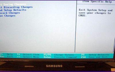 netbook-display-reparatur-samsung-netbook-defekter-bildschirm-wurde-getauscht-bezel-ist-montiert.jpg