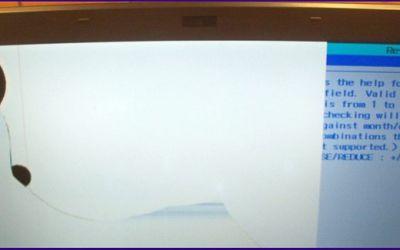 sony-vaio-vpcsb1-bildschirm-gesprungen.jpg