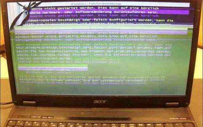 acer-extensa-display-links-oben-gebrochen.jpg
