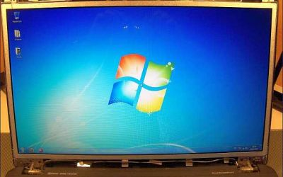 led-laptop-display-18,4-zoll-repariert.jpg