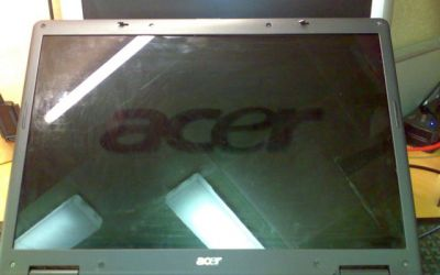 Acer_Aspire_9300_Display_defekt.jpg