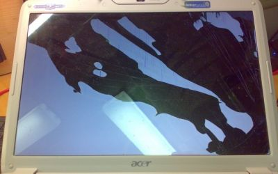 Acer_Aspire_Display_defekt1.jpg