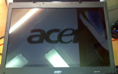 Acer_Aspire_Display_gebrochen.jpg