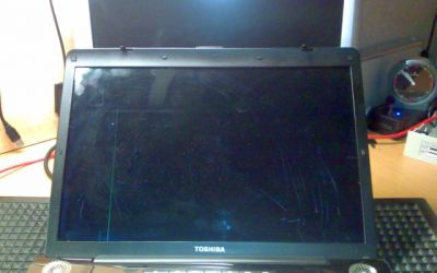 Toshiba_Satellite_Display_kaputt.jpg