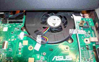 asus-g73jw-wird-heiss-kuehler-reinigen-gereinigter-luefter2-eingebaut.jpg