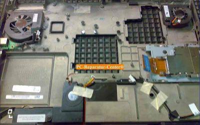 Dell_Inspiron_9400-Mainboard_Austausch_wegen_Cola-009.jpg