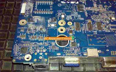 Dell_Inspiron_9400-Mainboard_Austausch_wegen_Cola-012.jpg