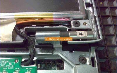 Acer_Aspire_Scharnier-Reparatur-010.jpg