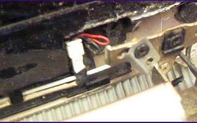 hp-laptop-scharnier-halterung-aus-deckel-gebrochen.jpg