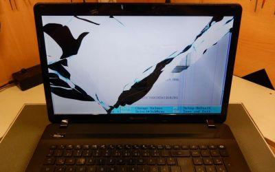 pb-easynote-ls11hr-sturzschaden-display-ist-gebrochen.jpg